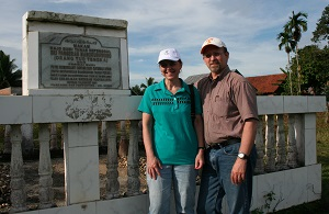 Chet & Phyllis at the assumed grave of Pakubuwono III